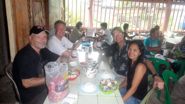 American Expats, Oysters and San Miguel Pale Pilsen. Enjoying Life in the Philippines!
