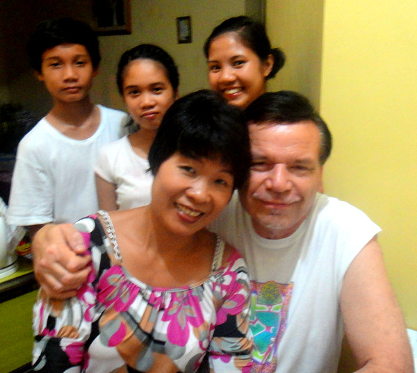 American expat in the Philippines and the crew