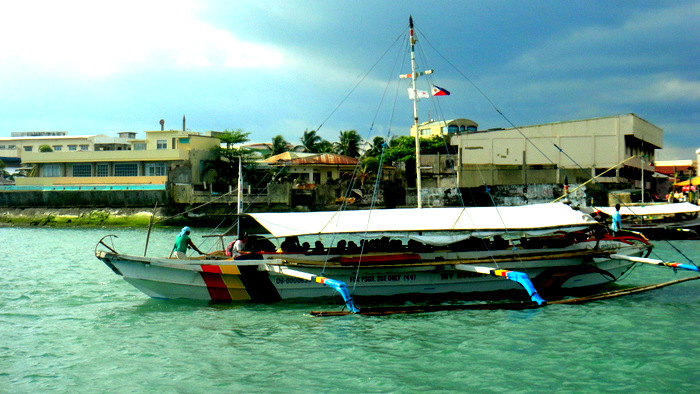 pump boat outside Ortiz Wharf in Iloilo