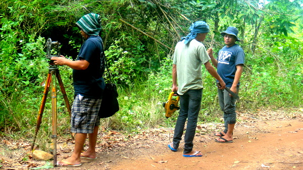 The survey crew from Iloilo sets up