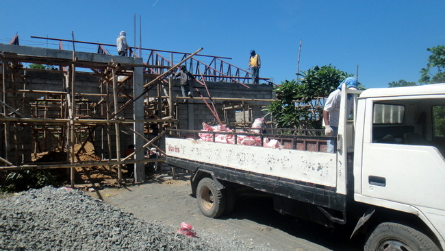dirt being delivered on the construction site in Guimaraas