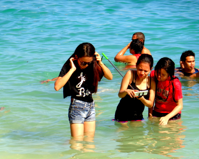 plenty of pretty pinays at Raymen Beach