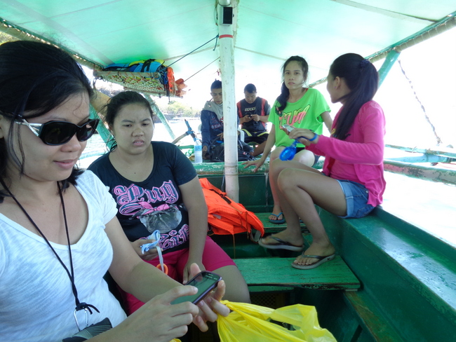 the island hoppers started their journey at Raymen Beach in Guimaras