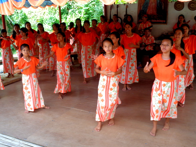 traditional dance group on the loboc river