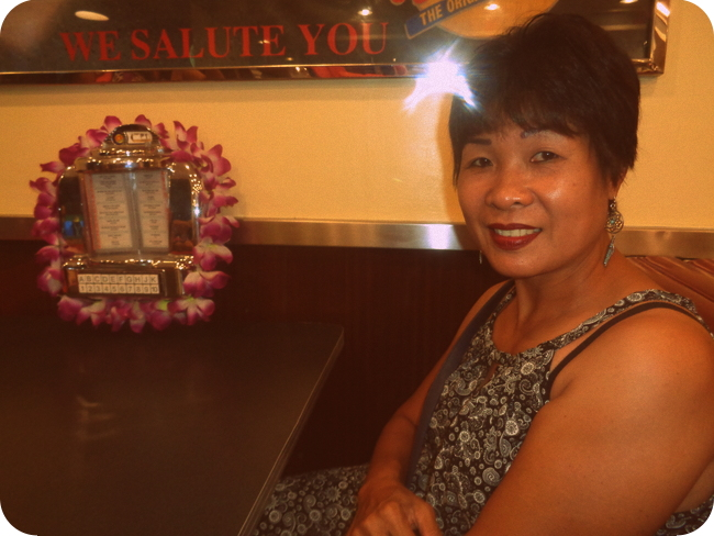 My lovely asawa at Johnny Rockets in Boracay