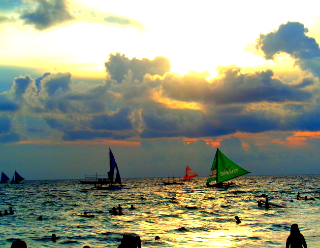 gorgeous sunset on boracay beach