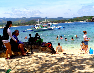 island hopping in boracay