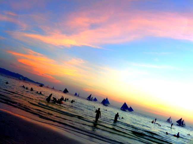 stunning sunsets in boracay