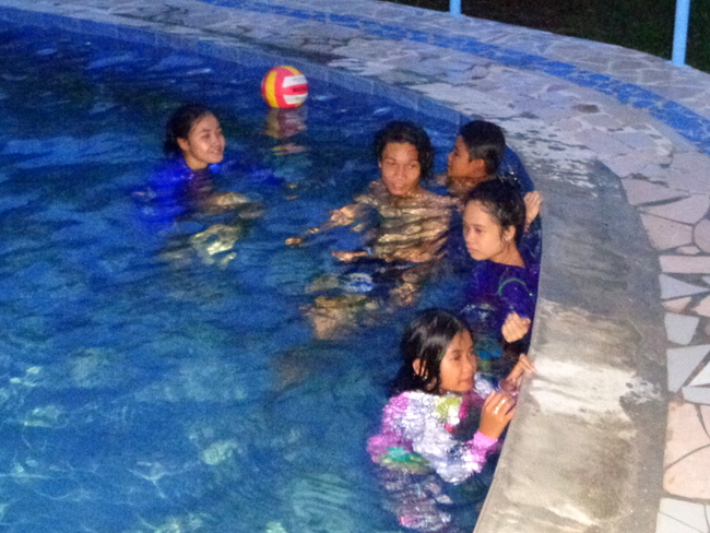 philippines pool party
