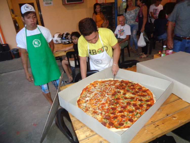 This is the biggest best pizza in Guimaras - Tansyong, Best Thin-Crust Pizza in Guimaras