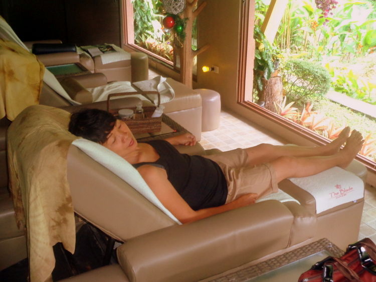 My wife relaxing at The Blade Spa Mambukal Resort Murcia Negros Occ - Blade Spa Mambukal Resort: Get Yourself Spoiled!