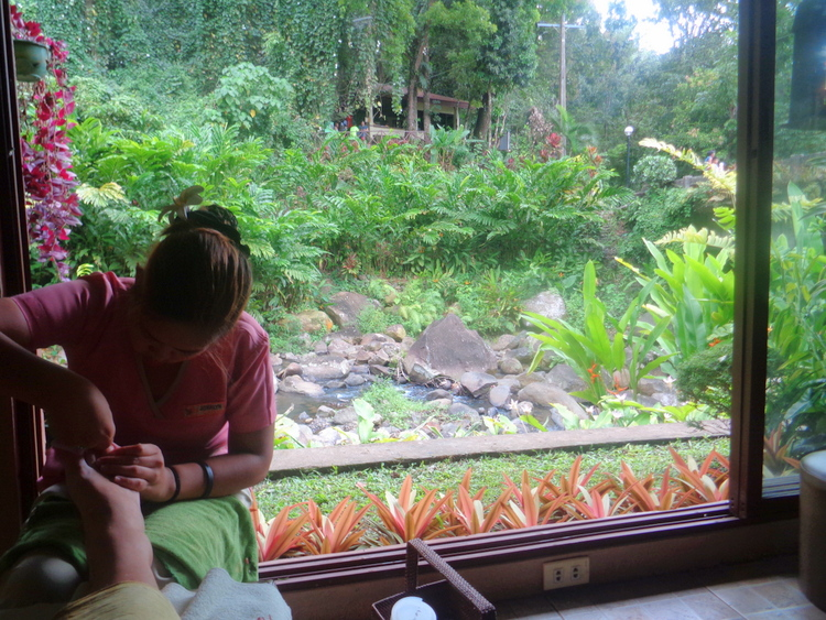 The Kano gets a manicure and pedicaure - Blade Spa Mambukal Resort: Get Yourself Spoiled!