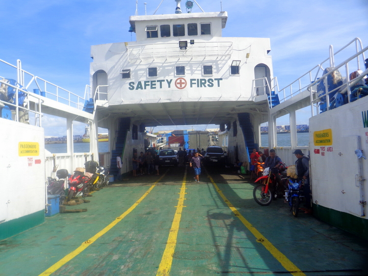 ROLL On ROLL Off Ferry to Dumangas - Eight Extreme Guimaras Explorers End their Bacolod Adventure