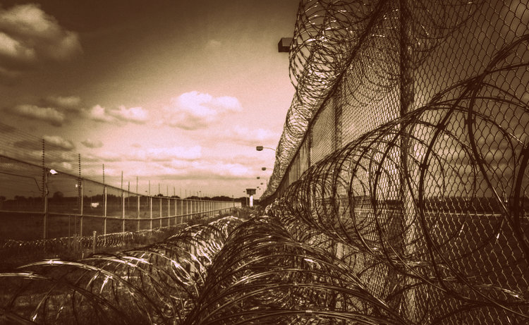 Unpaid Girlie Bar Bill Gets Filipino 9 Years in Jail