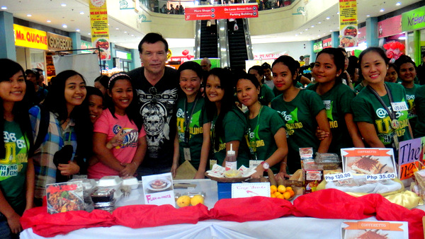 The Kano with University of Iloilo students