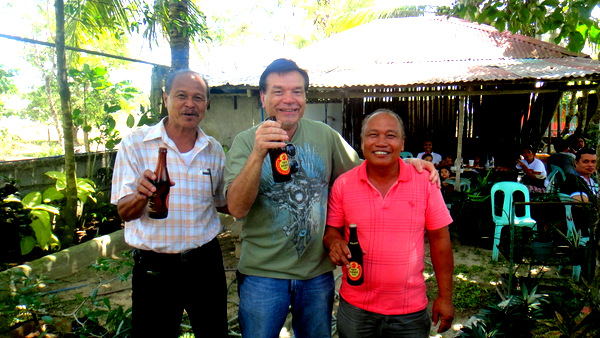 The Three Amigoes and their Red Horse