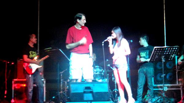 Tom with the band at Manggahan Festival