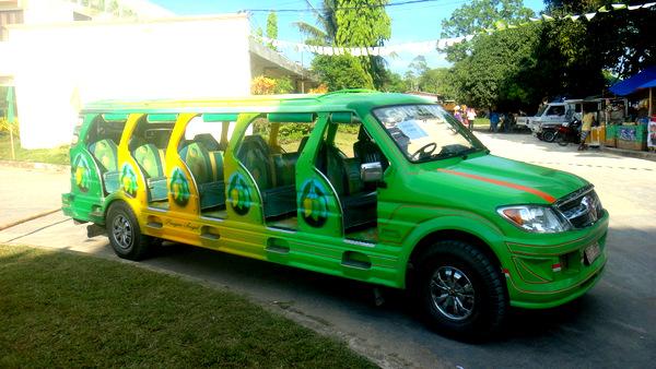 Mango tour bus