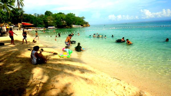 Raymen Beach Resort on Mother's Day