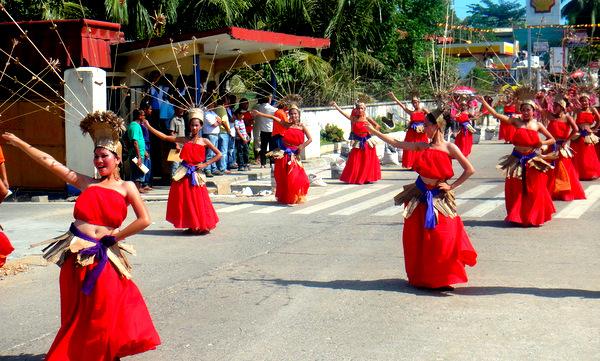 Pretty pinays on parade at the Manggahan Festival