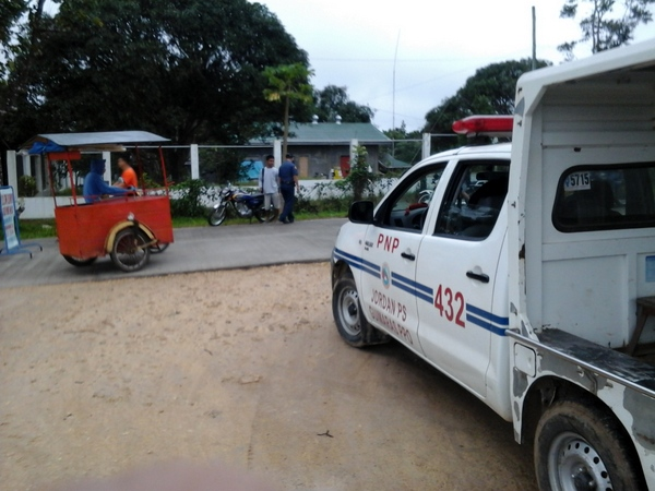 PNP checkpoint in Guimaras