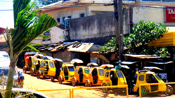 Trike drivers lined up at the Old Site in Guimaras