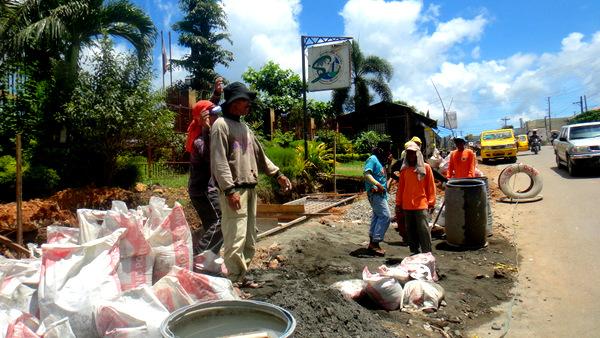 construction crew in guimaras