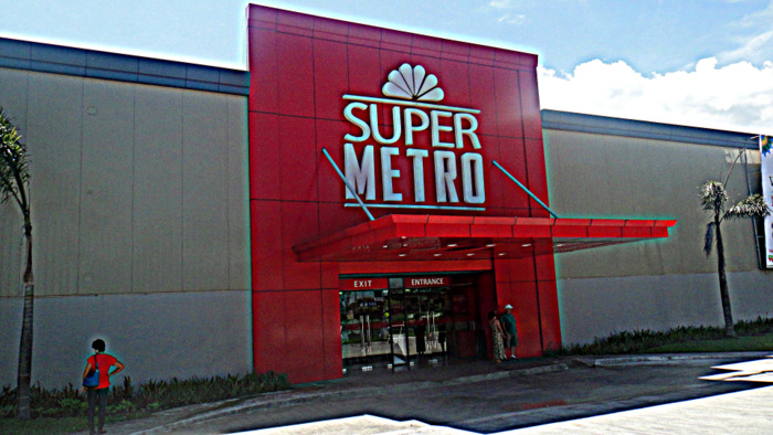 super metro supermarket at district northpoint in bacolod