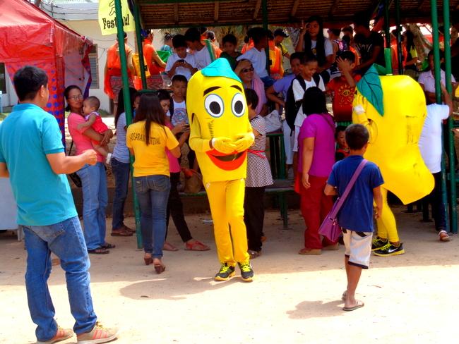 Mango Mascots at Manggahan 2015
