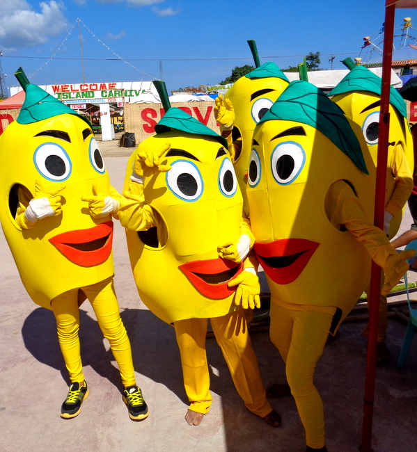 Manggahan 2015:Mango Mascots and Muslim Folk Dancers