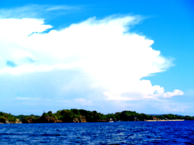 beautiful cloud formation off raymen beach