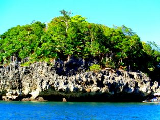 island hopping is more fun in the Philippines