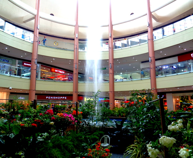 fountain at robinsons mall iloilo city