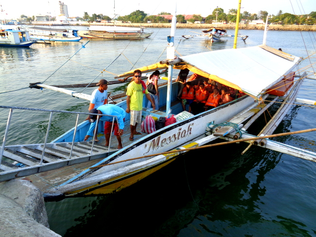passengers were wearing life jackets at parola iloilo