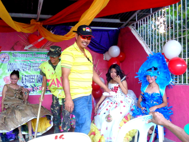 buluangan barangay captain and recycled gown contestants