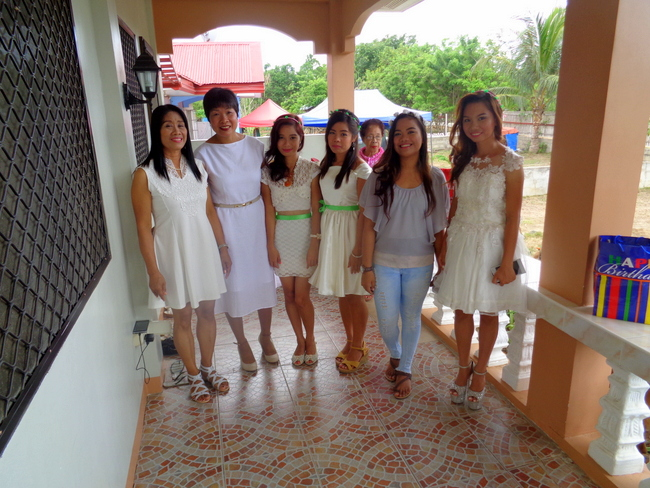 The Filipino wedding party including the bridesmaid