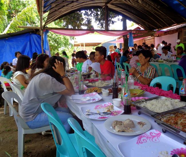lots of Filipinos attend the wedding reception