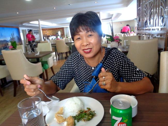 enjoying lunch at 2go horizon cafe