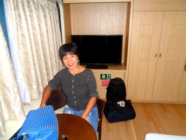 my lovely asawa enjoying our 2go cabin suite