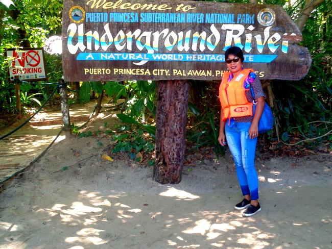 my-lovely-asawa-at-the-underground-river-entrance-palawan