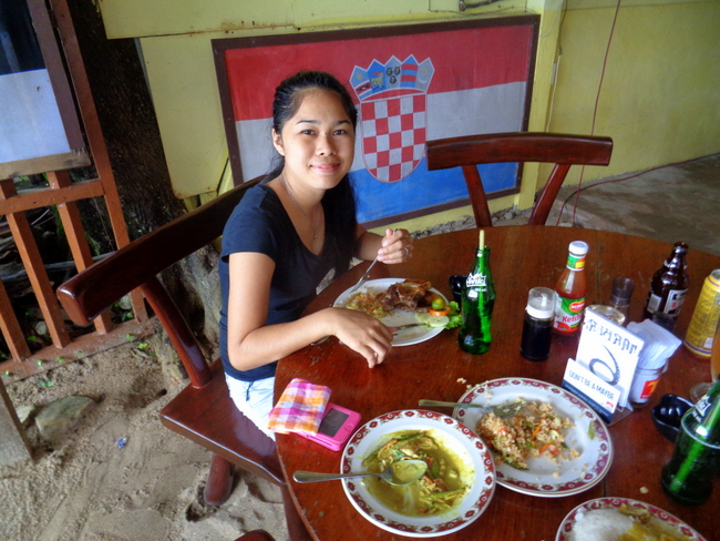 our-pretty-niece-having-lunch-at-marbers-el-nido-palawan