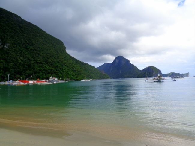 view-from-el-nido-beach