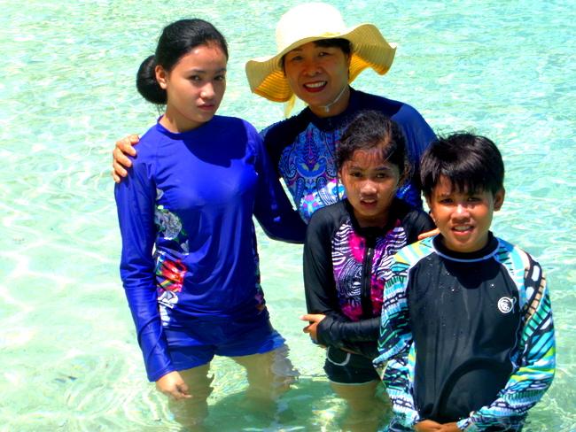 puka shell beach boracay paradise