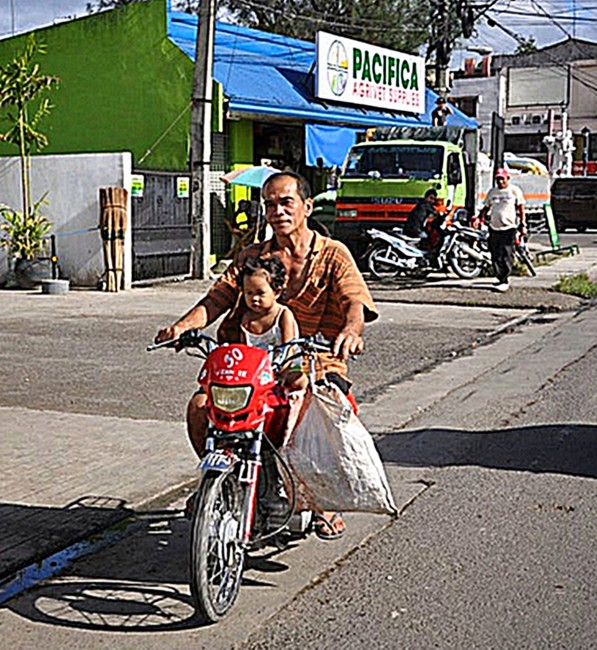 small children banned from motorcycles in philippines