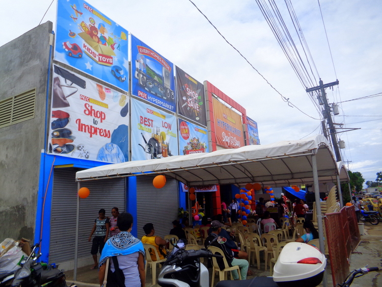 "New Guimaras Hypermarket Operating on ""Filipino Time"""