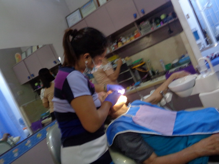 86-Yr-Old Lolo's 1st Dentist Visit