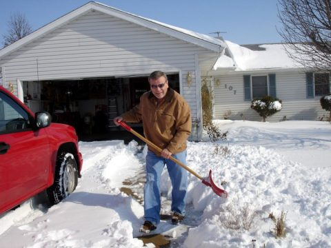 digging out the driveway in Central Illinois 480x360 - No Philippines White Christmas in Sight